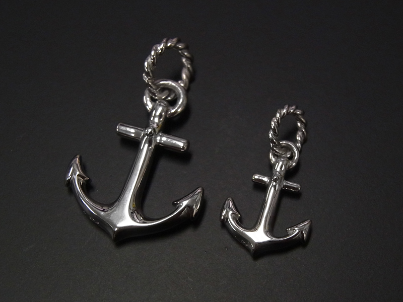 Large Anchor Pendant